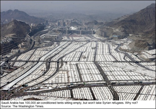 Tent-city-in-Saudi-Arabia
